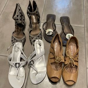 Bundle of 4 sandals